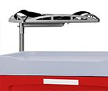 Accesorio superior para carros de emergencia, consiste en una bandeja de metal con cincha para porte de desfibrilador