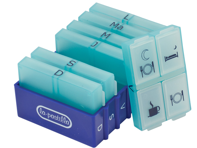 Weekly pill organizer 7 Days, 4 Times a Day. Removable compartments and printed letters, which are durable and easily readable Color: Blue